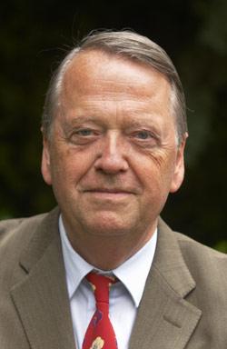Dr. Arend Oetker